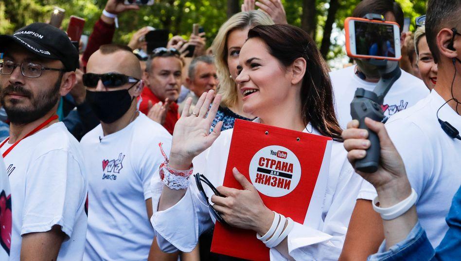 Swetlana Tichanowskajaauf einer Wahlkampfveranstaltung Anfang August