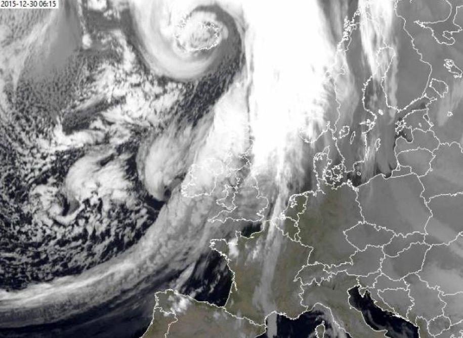 EINMALIGE VERWENDUNG Sturm Frank/ Satellitenbild/ 30.12.15