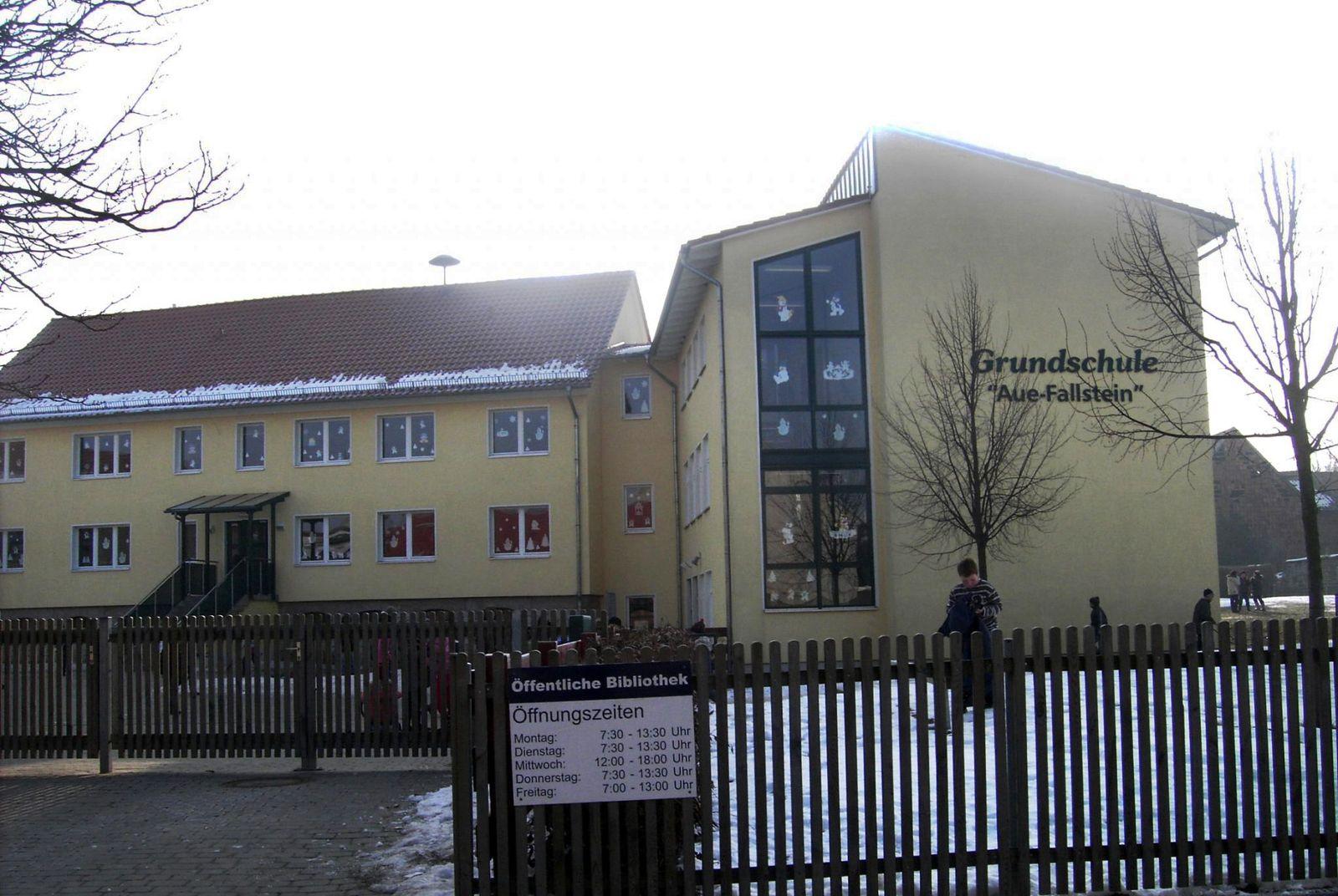 EINMALIGE VERWENDUNG Grundschule Aue-Fallstein im Ortsteil Hessen der Stadt Osterwieck