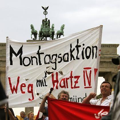 Demonstration gegen Hartz IV (im September): Komplette Akzeptanz der Hartz-Reformen durch beeinträchtigt