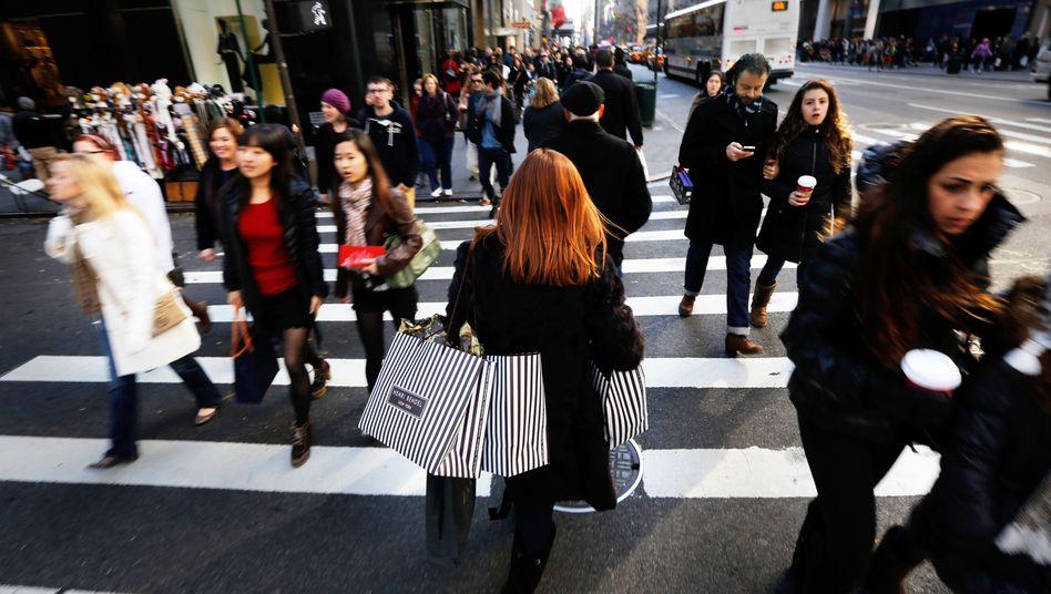 Passanten in New York: Beim Wohlstand von Kanada überholt