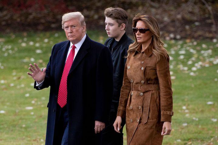 Donald, Barron und Melanie Trump Ende November auf dem Weg zu Marine One
