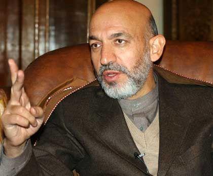 Symbol für Einheit und Wiederaufbau: Afghanistans Staatschef Hamid Karzai