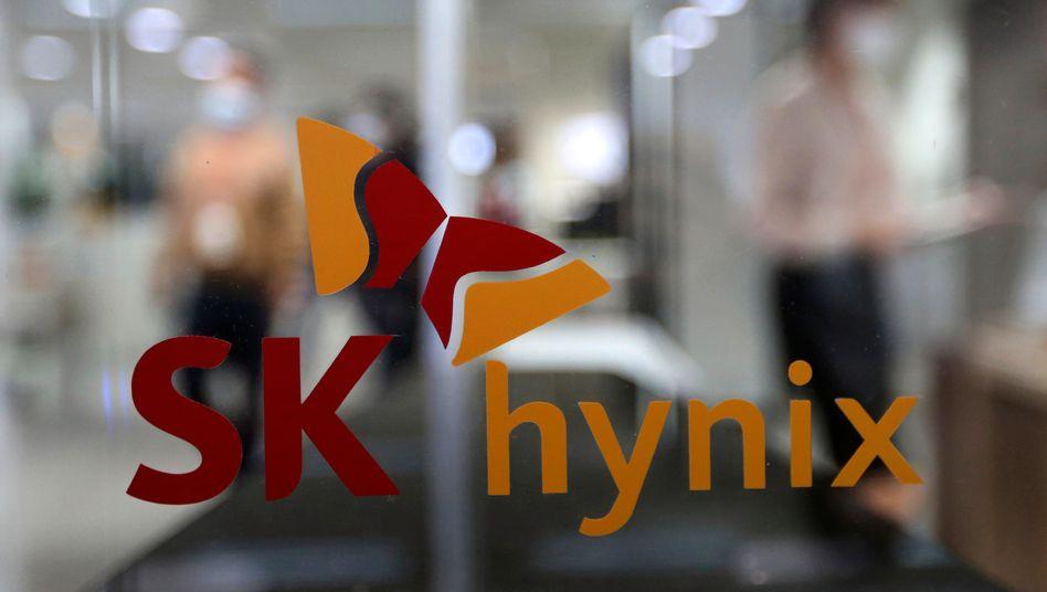 Logo des südkoreanischen Chipkonzerns SK Hynix Inc.: Nach dem Intel-Deal kann das Unternehmen sein Flashspeichergeschäft weiter ausbauen