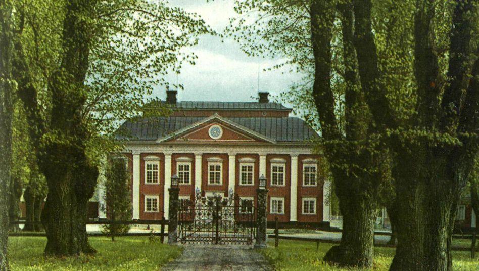 Blick auf das Schloss Fullerö südlich der schwedischen Stadt Västerås
