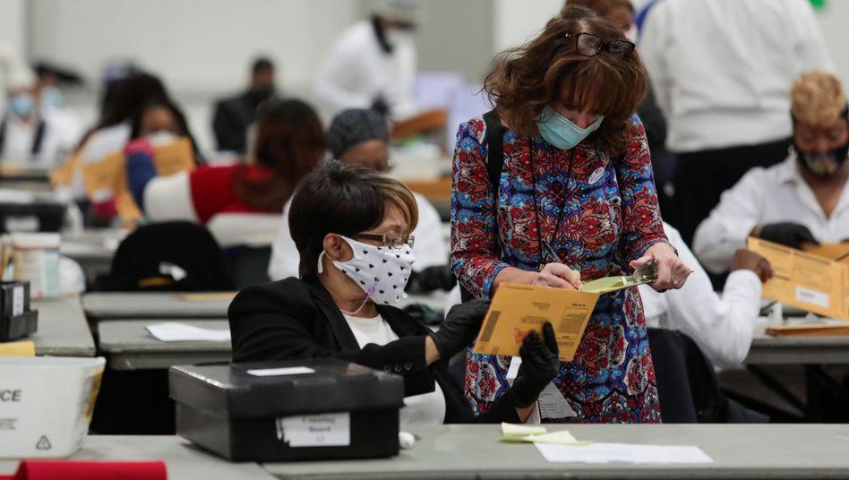 """Wahlhelfer in Michigan: """"Keine Belege dafür, dass ein Abstimmungssystem Stimmen gelöscht oder verändert hätte"""""""