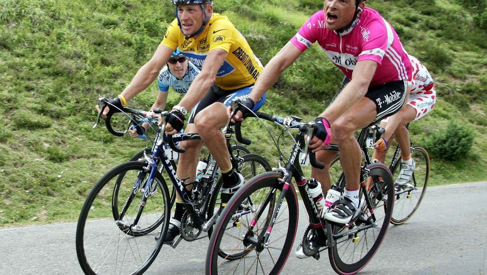 Radprofis Armstrong, Ullrich (bei der Tour 2005): Bewegung im Anti-Doping-Kampf