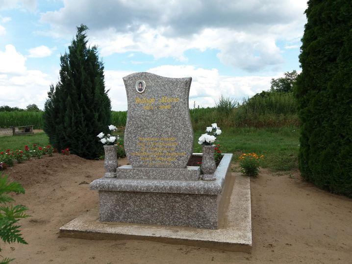 Grab von Mária Balogh in Kisléta