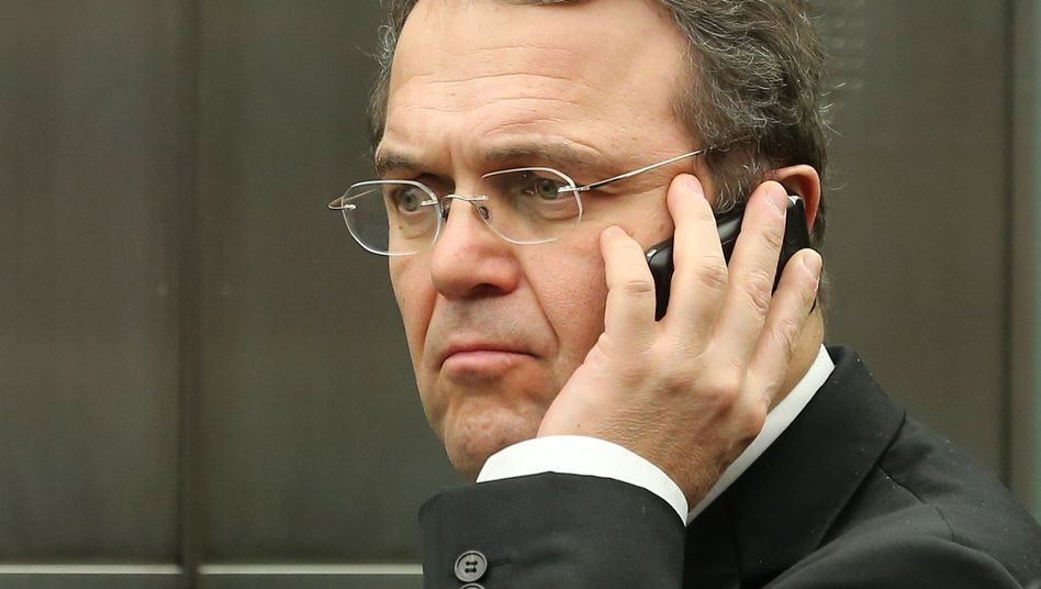 Innenminister Friedrich: Ist mit einer Demo vor seinem Privatgrundstück einverstanden