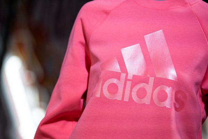 """Adidas spricht von einer """"negativen Auswirkung auf unser Geschäft in China"""""""