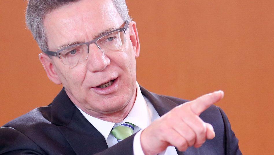 De Maizière: Kompensationen für verspätetes Transportflugzeug