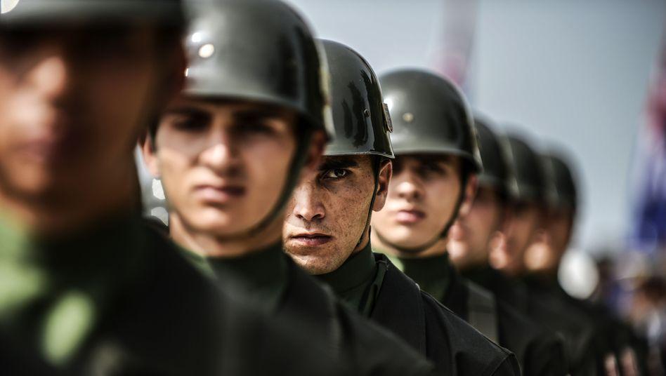 """Türkische Soldaten: """"Jeden Schritt der Nato mitgehen"""""""
