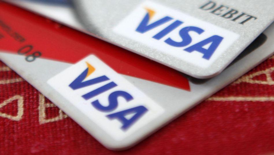 Kreditkarten von Visa: Ärger wegen hoher Gebühren