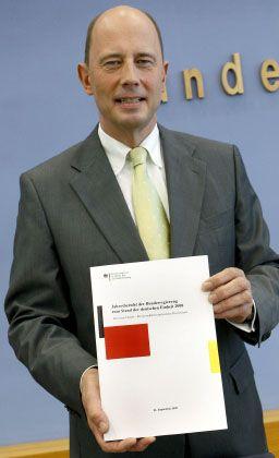 Verkehrsminister Tiefensee (2008): Die Krise mindert den Abstand zwischen Ost und West