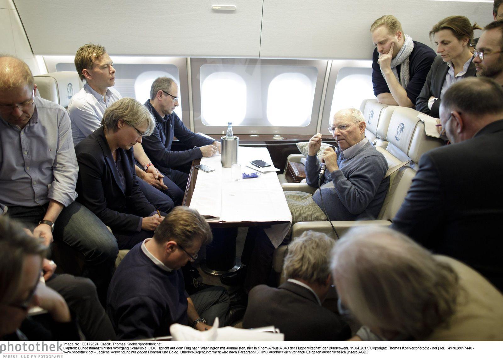 EINMALIGE VERWENDUNG SPIEGEL PLUS Schäuble Flugzeug