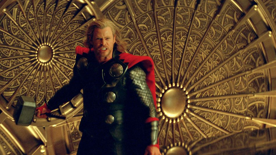 """Hammerhart: """"Thor"""" (mit Chris Hemsworth) erobert die amerikanischen Kinocharts"""