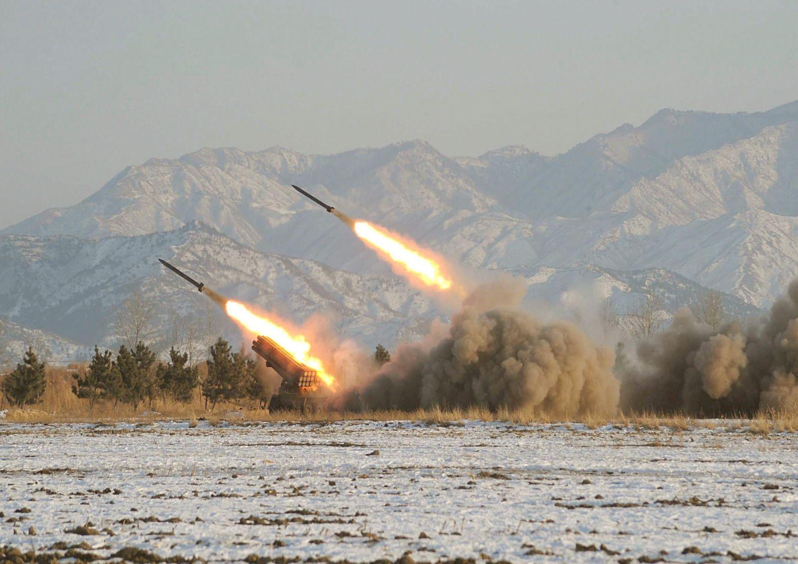 Nordkorea feuert vier Raketen ab