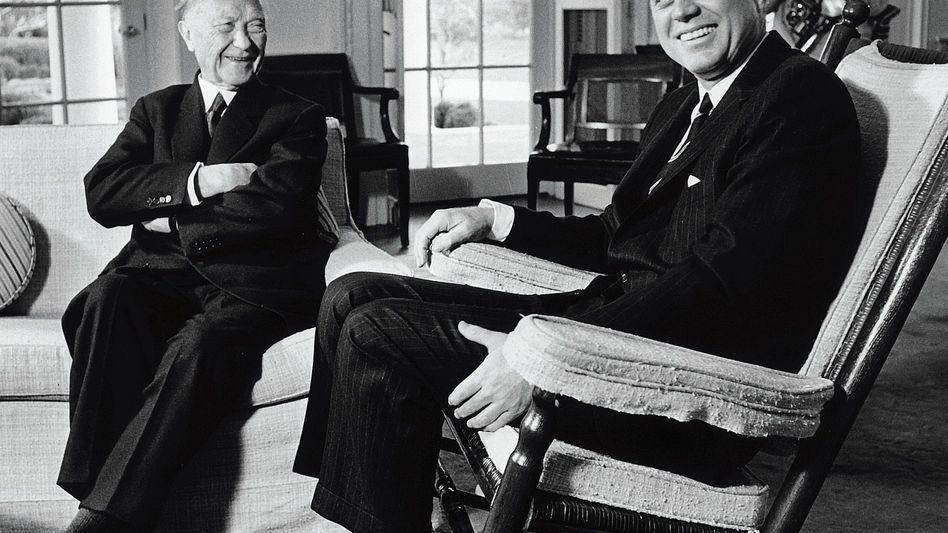 Staatsmänner Adenauer, Kennedy 1962(*): Warnung vor »nuklearen Experimenten«