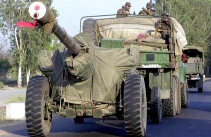 Indische Truppen an der pakistanischen Grenze: Wer folgt der neuen US-Doktrin?