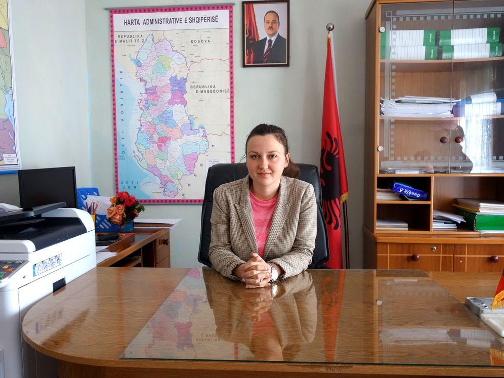Romina Mustafaraj, Verwaltungschefin des Dorfes Kutë