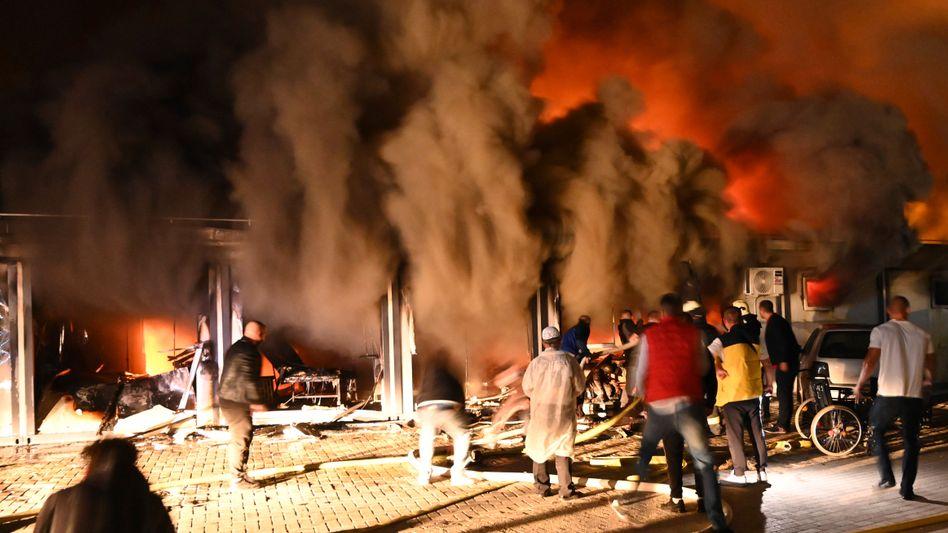 Feuer im Krankenhaus: »Opfer rausgeholt, während wir die Flammen gelöscht haben«