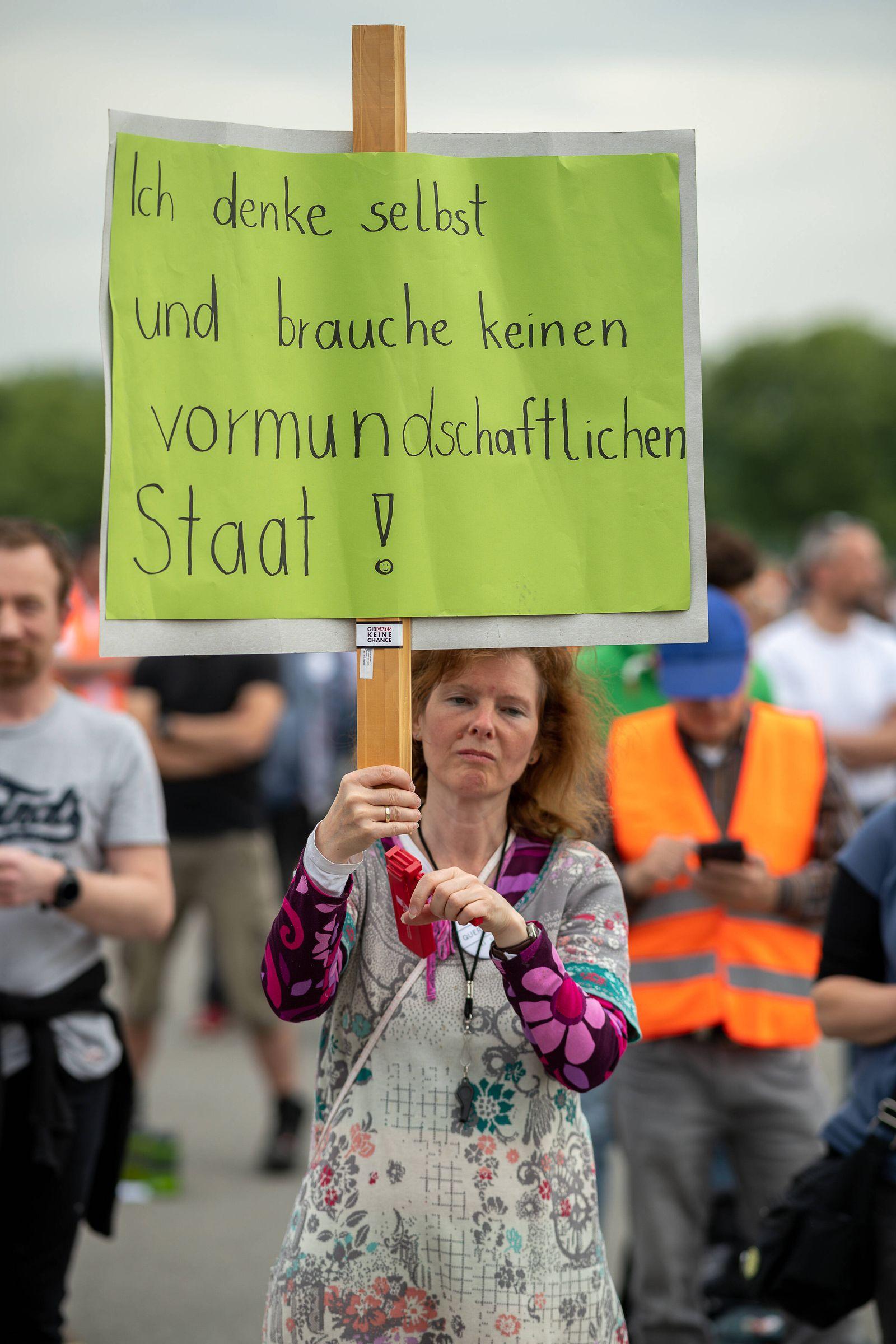 Stuttgart Querdenken, DEMO, Grundrechte DEMO, Corona-Demonstrationen, Corona-Virus, Grundrechte, 09.05.2020 ich denke se