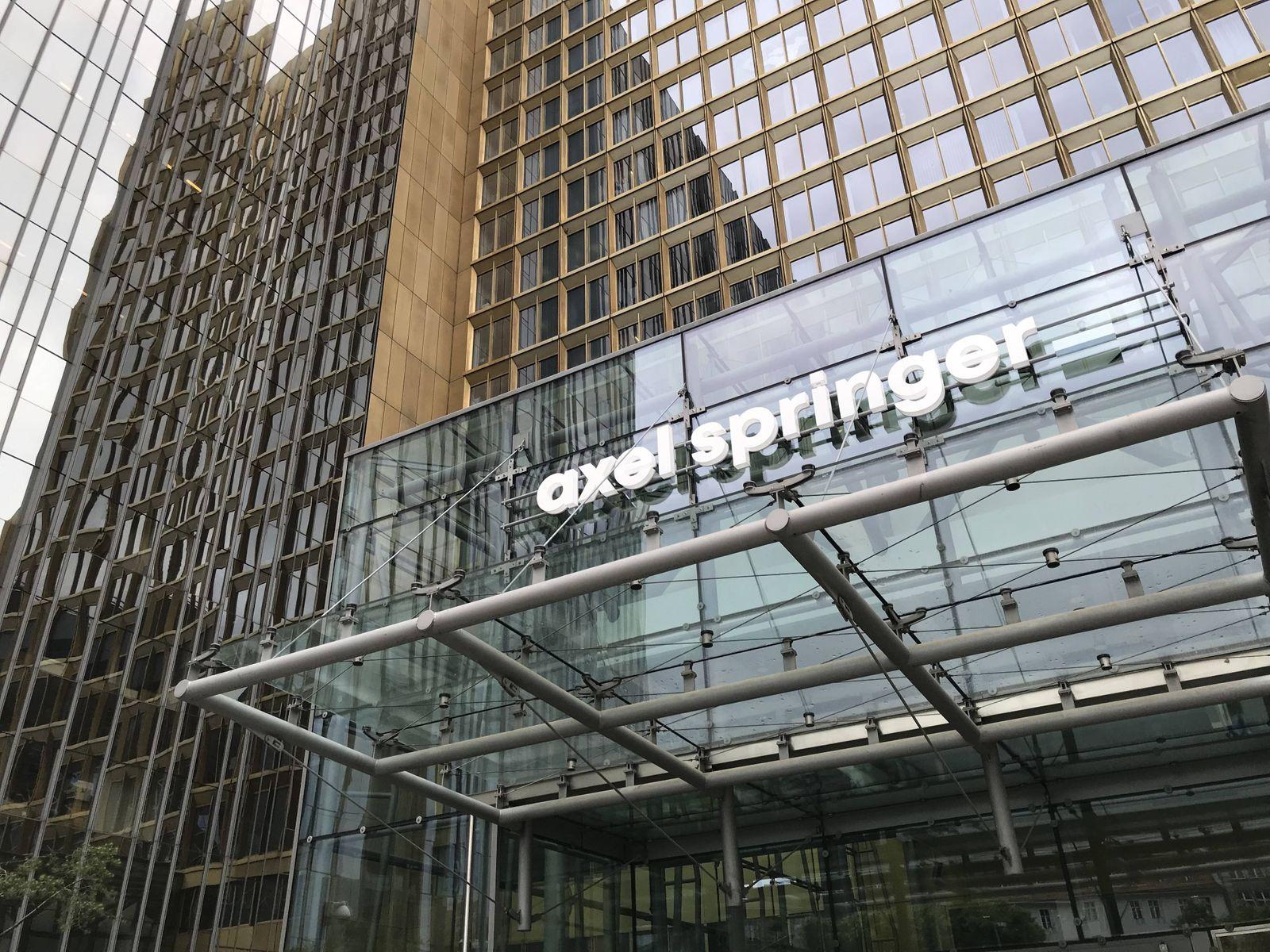 Amerikanischer Investor KKR steigt bei Axel Springer ein 13 06 2019 *** American investor KKR joins