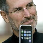 Apple-Chef Jobs: enttäuschte Fans nehmen die iPhone-Tarife auseinander