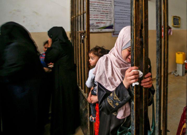Trauerfeier für getötete, vier Monate alte Palästinenserin in Gaza (am 6. Mai)