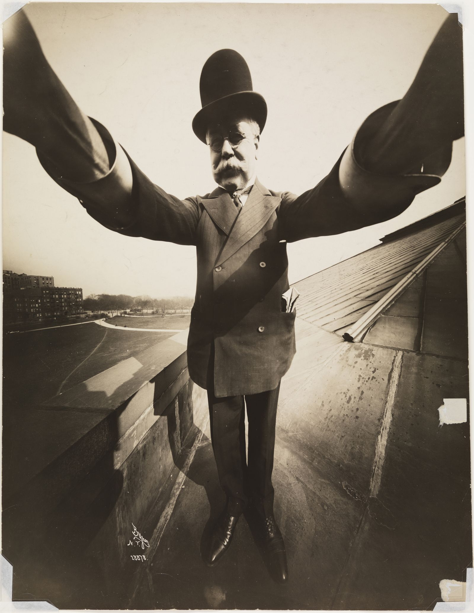 Selfie / Joseph Byron