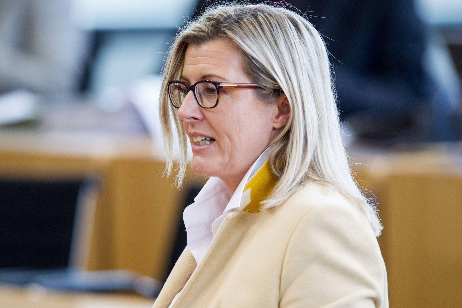 EINMALIGE VERWENDUNG Marion Rosin