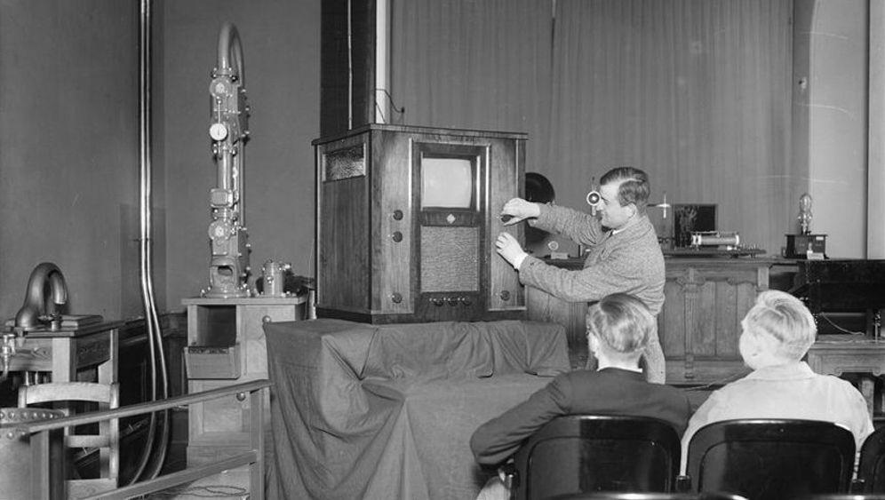 Erste Fernsehstube in Berlin: 18 mal 22 Zentimeter Flackern