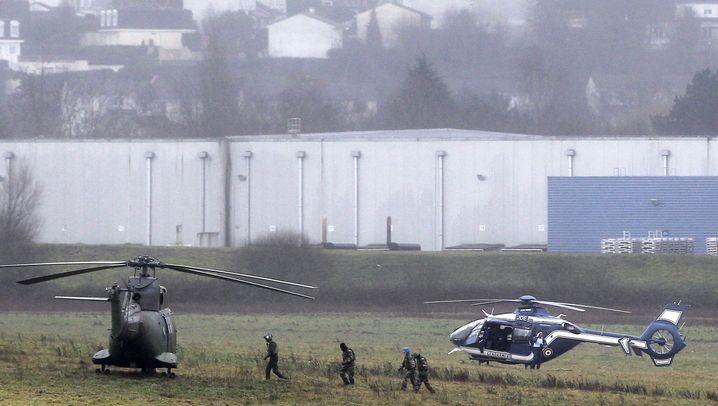 Attentäter von Paris: Einsatz am Boden und in der Luft