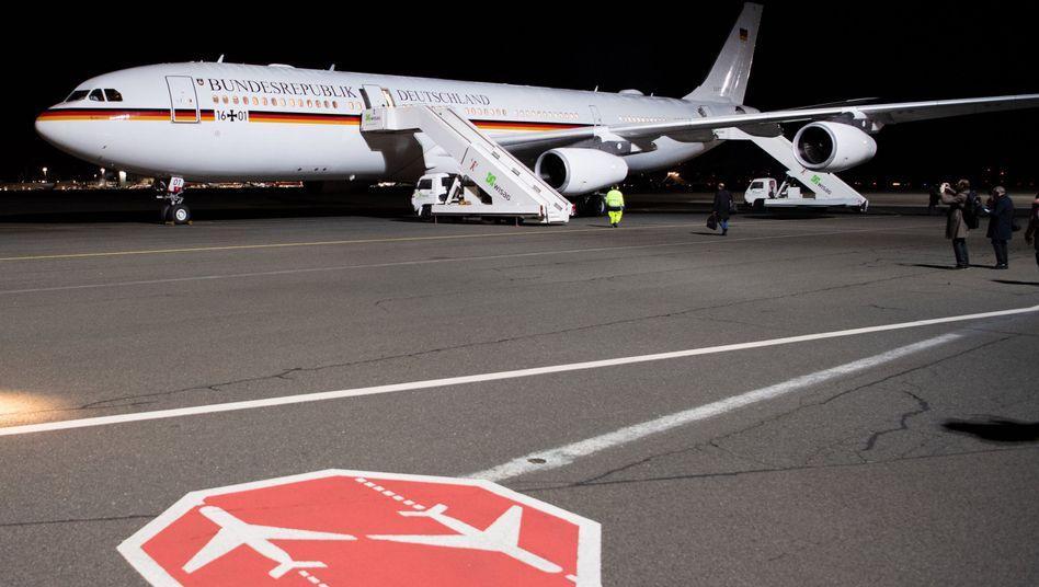 "A340 Regierungsflieger ""Konrad Adenauer"" der Luftwaffe."
