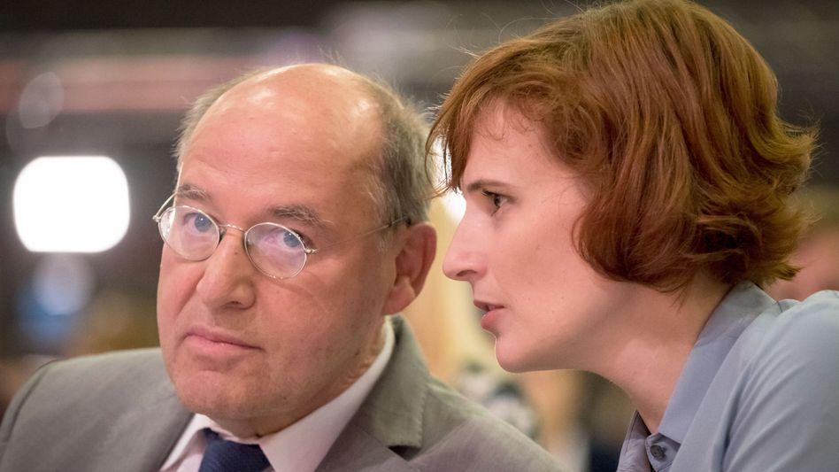 Gregor Gysi mit Parteichefin Katja Kipping