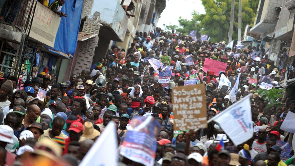 Protest gegen Wahlergebnisse in Haiti: Zweite Runde wird vertagt