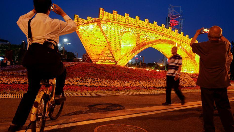 Kunstinstallation zur neuen Seidenstraße in Peking