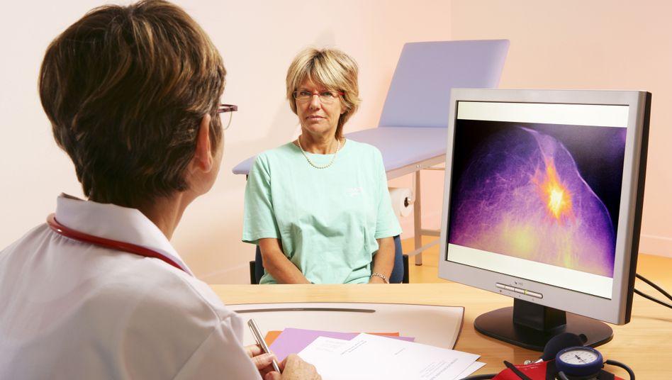 Digitale Mammografie: Erkennt man auf den computergestützten Aufnahmen mehr als auf herkömmlichen Röntgenbildern?