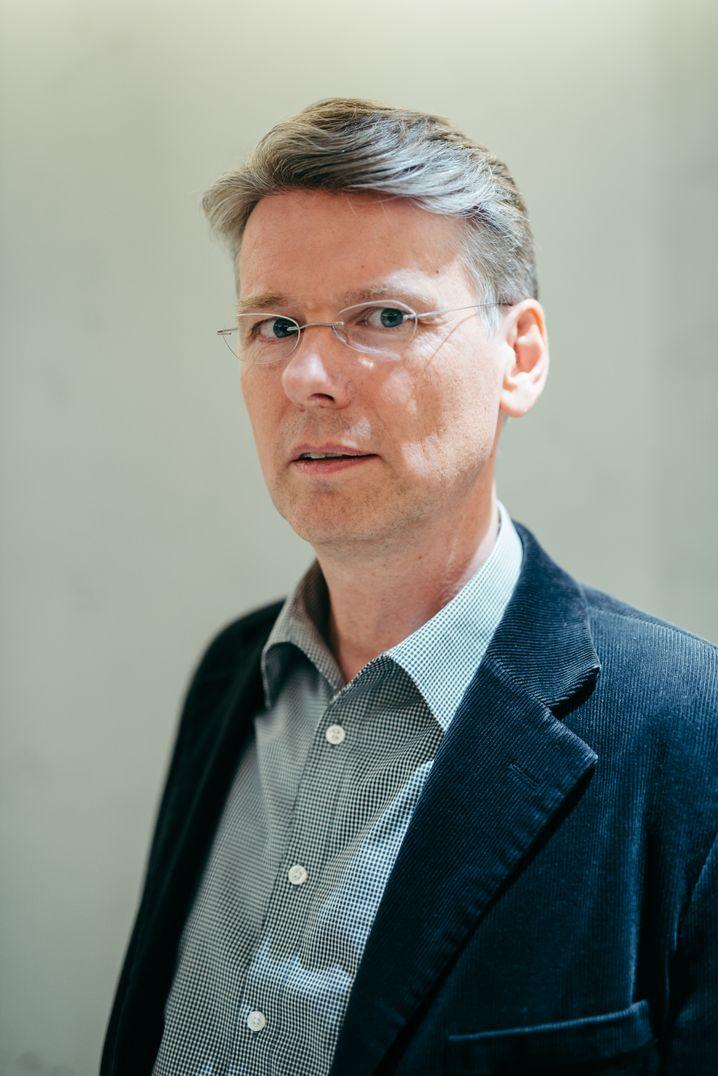 Jörg Luy, Philosoph, Tierarzt und Tierethiker beim Forschungs- und Beratungsinstitut für angewandte Ethik und Tierschutz Instet in Berlin.
