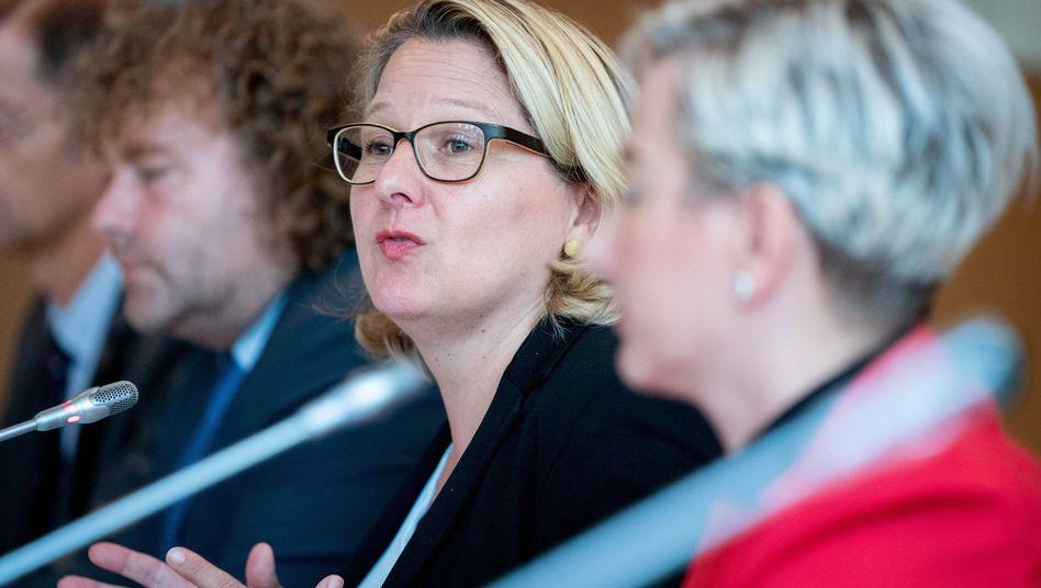 Bundesumweltministerin Svenja Schulze (SPD) will mit ihrem Klimaschutzgesetz den Ministerien eine klare Verantwortungen beim CO2-Sparen zuweisen - eines von vielen Streitthema der GroKo