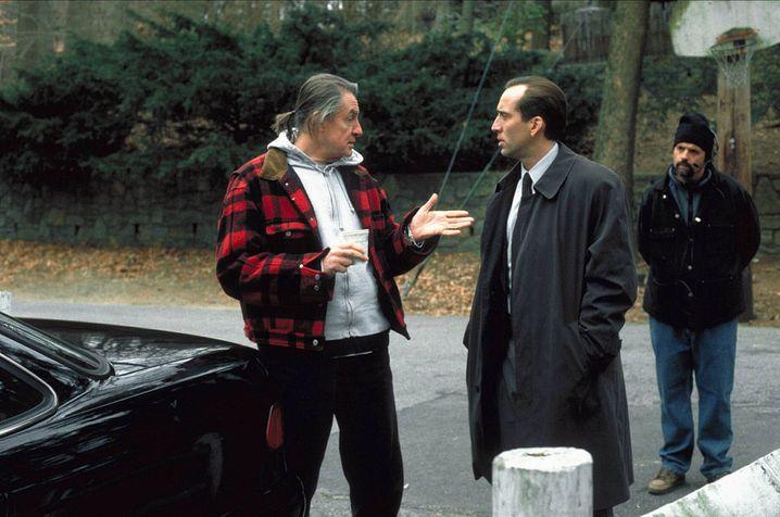 """Das Böse im Menschen: Schumacher 1999 mit Nicolas Cage am Set von """"8 MM"""""""
