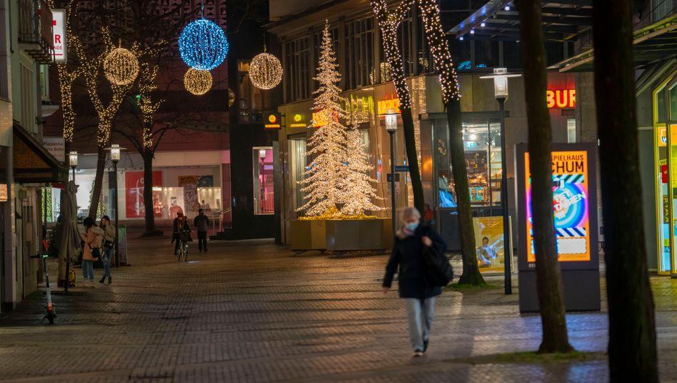 Die Innenstädte wie hier in Essen sollen sich in der Coronakrise wieder leeren, Deutschland droht der harte Lockdown