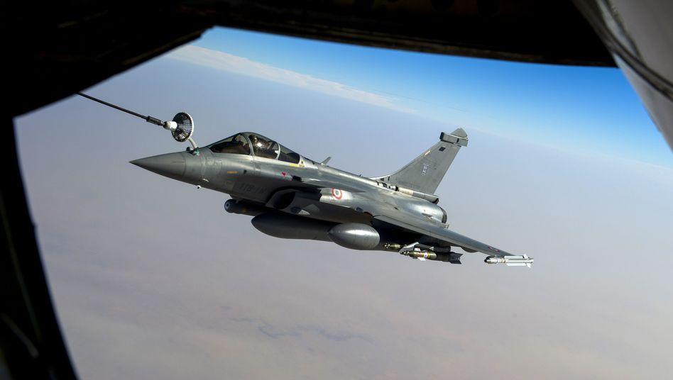Französischer Kampfjet: Start von den Vereinigten Arabischen Emiraten