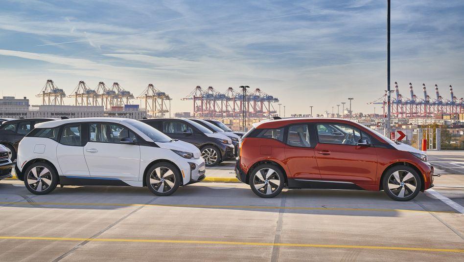 Verschiffung von BMW-i3-Modellen in Bremerhaven