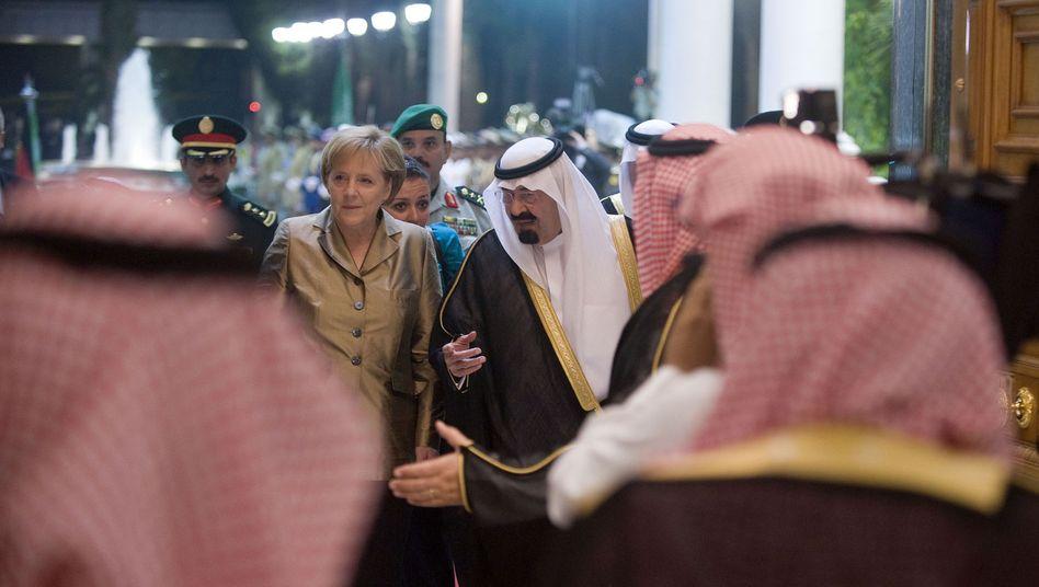 Kanzlerin Merkel mit saudischem König Abdullah (Mai 2010 in Dschidda): Beste Kontakte