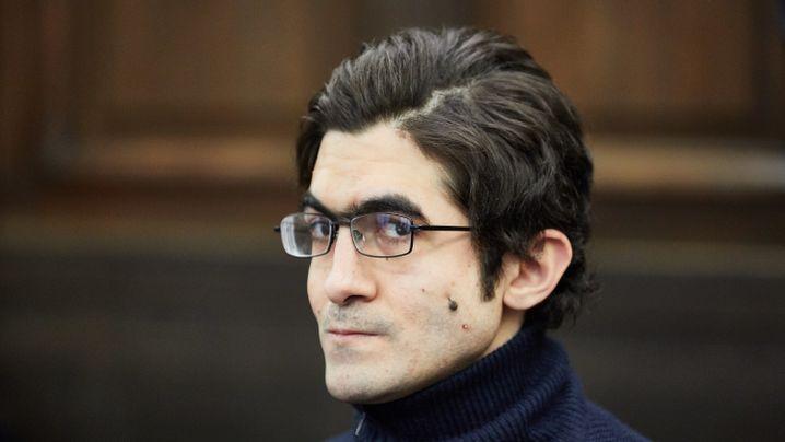 Messerattacke in Hamburg: Der Prozess gegen Ahmad A.