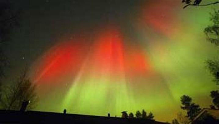 Farben-Spektakel: Sonnensturm lässt den Himmel glühen