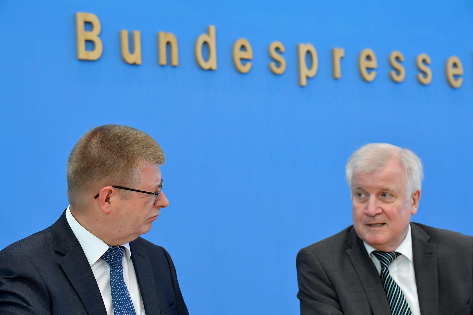 GERMANY-POLITICS-CONSTITUTION-REPORT