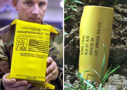 Für Laien Verwechslungsgefahr: Abgeworfenes Lebensmittelpaket und Streubombe in Afghanistan