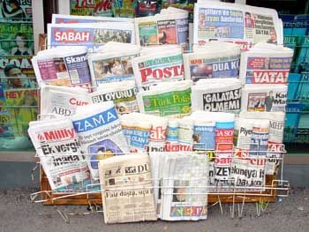 Pressefreiheit entsteht: Plötzlich berichten die Zeitungen über Themen, die lange tabu waren